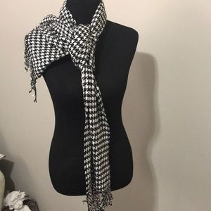 Accessories - Cashmere feel scarf